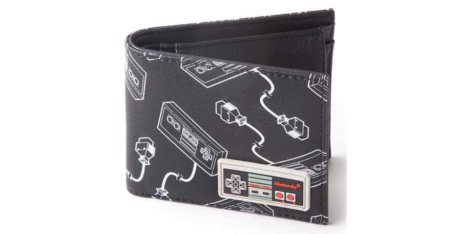 Кошелек NES: Controller AOP Bifold Wallet With Rubber Patch